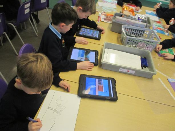 Using the I-Pads to research David Hockney in our art lesson.